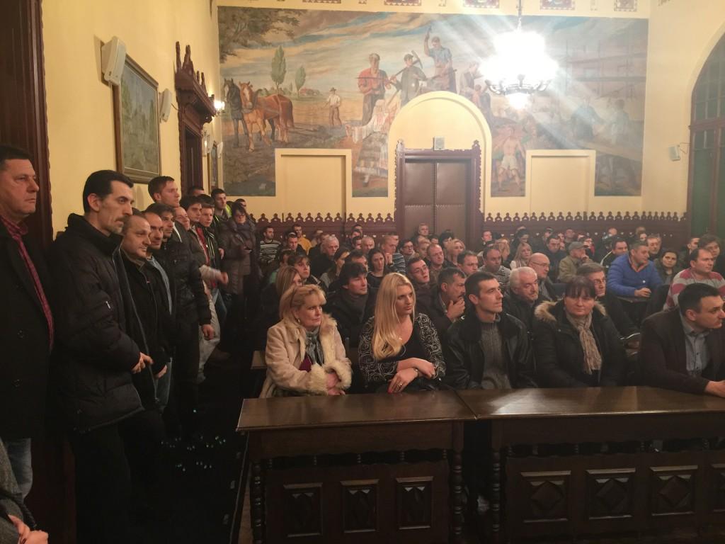 Jedinstvena Srbija, javna tribina i prijem novih članova, Apatin 2016