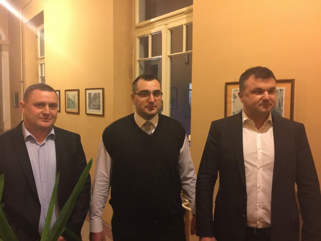 Kružević , Jedinstvena Srbija, javna tribina i prijem novih članova, Apatin 2016