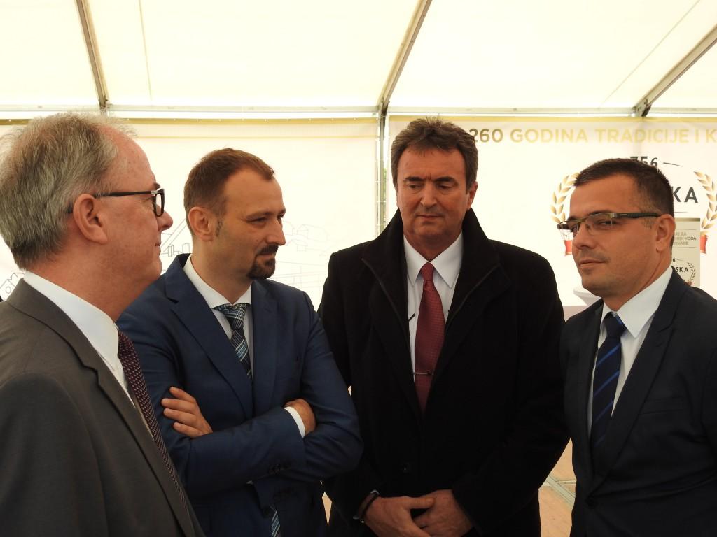 Prečistač vode, Phiilip Pinnington, Dragan Radivojevic, Radivoj Sekulić, Branislav Nedimović