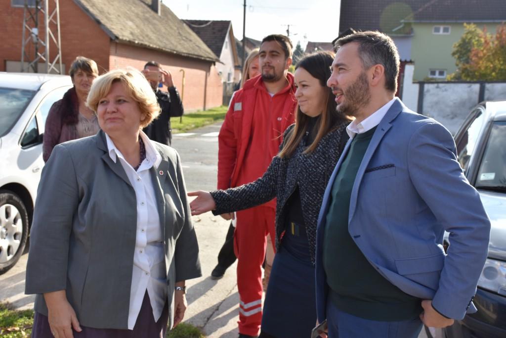 Pokrajinski sekretar Predrag Vuletić u poseti Crvenom krstu Apatin, oktobar 2016