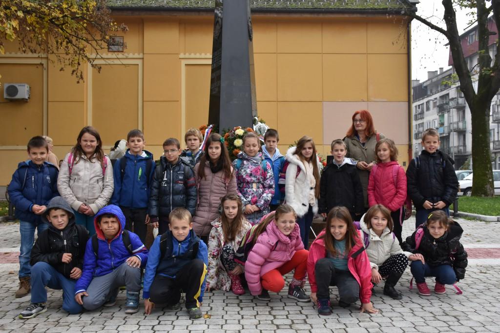 Dan Opštine Apatin, 24.oktobar 2016, polaganje venaca (17)
