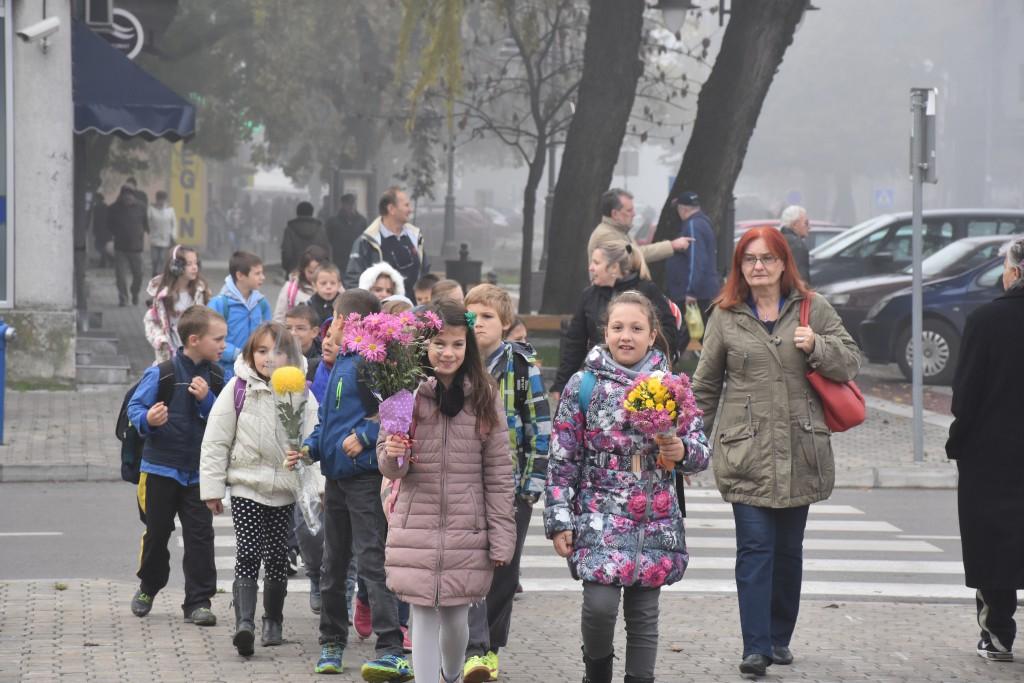 Dan Opštine Apatin, 24.oktobar 2016, polaganje venaca (21)