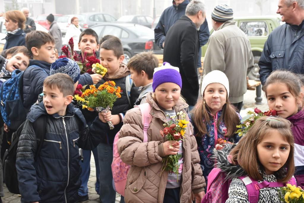 Dan Opštine Apatin, 24.oktobar 2016, polaganje venaca (22)