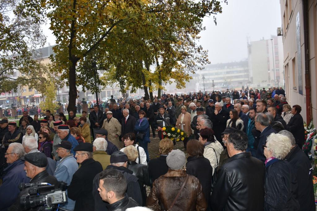 Dan Opštine Apatin, 24.oktobar 2016, polaganje venaca (23)