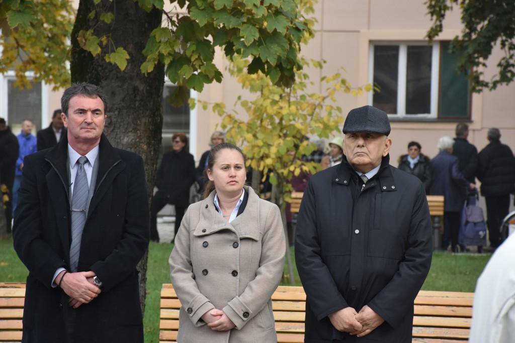 Dan Opštine Apatin, 24.oktobar 2016, polaganje venaca (5)