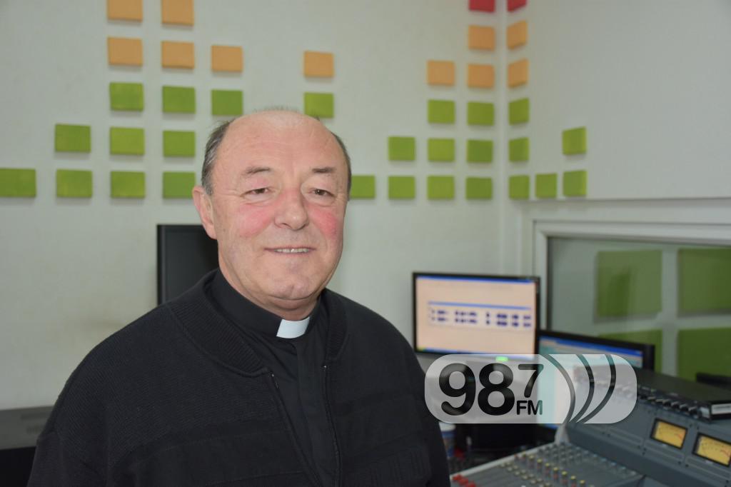 Jakob Fajfer , župnik Katoličke crkve Apatin , decembar 2016