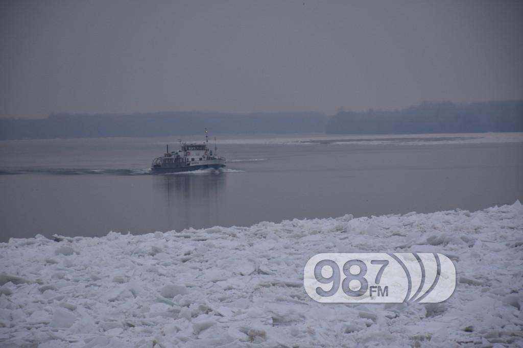 ledolomci, zaleđen dunav, zima 2017, probijanje čepova leda