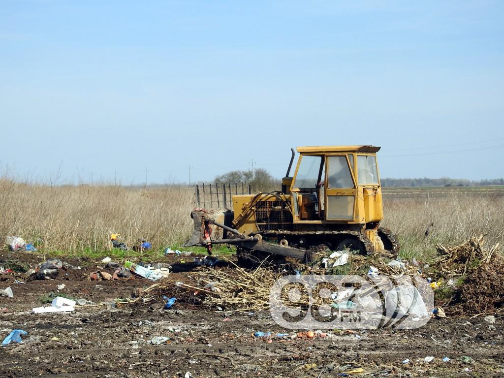 Kupusina, buldožer deponija