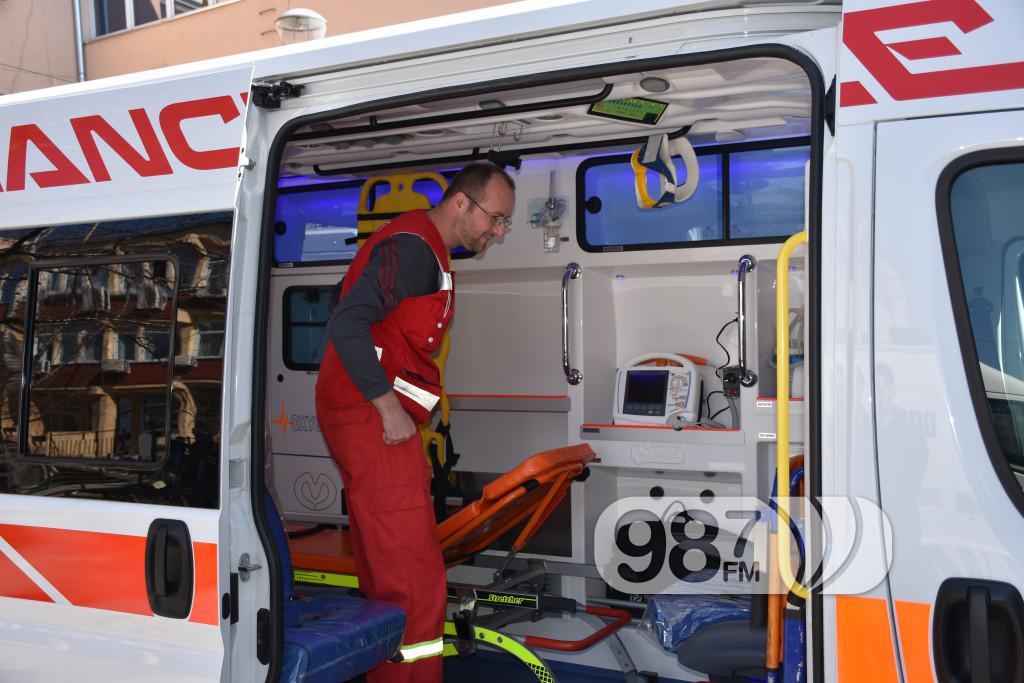 Novo sanitetsko vozilo, Milan Skrbic, Branka Baic, dom zdravlja (12)