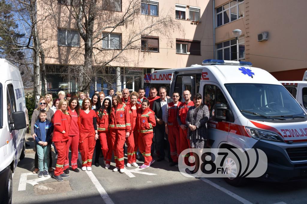 Novo sanitetsko vozilo, Milan Skrbic, Branka Baic, dom zdravlja (16)