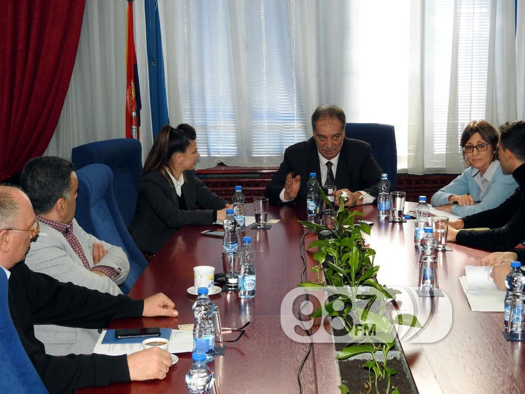 poseta predstavnika Evropske investicione banke , Milan Škrbić, predsednik opštine Apatin (1)