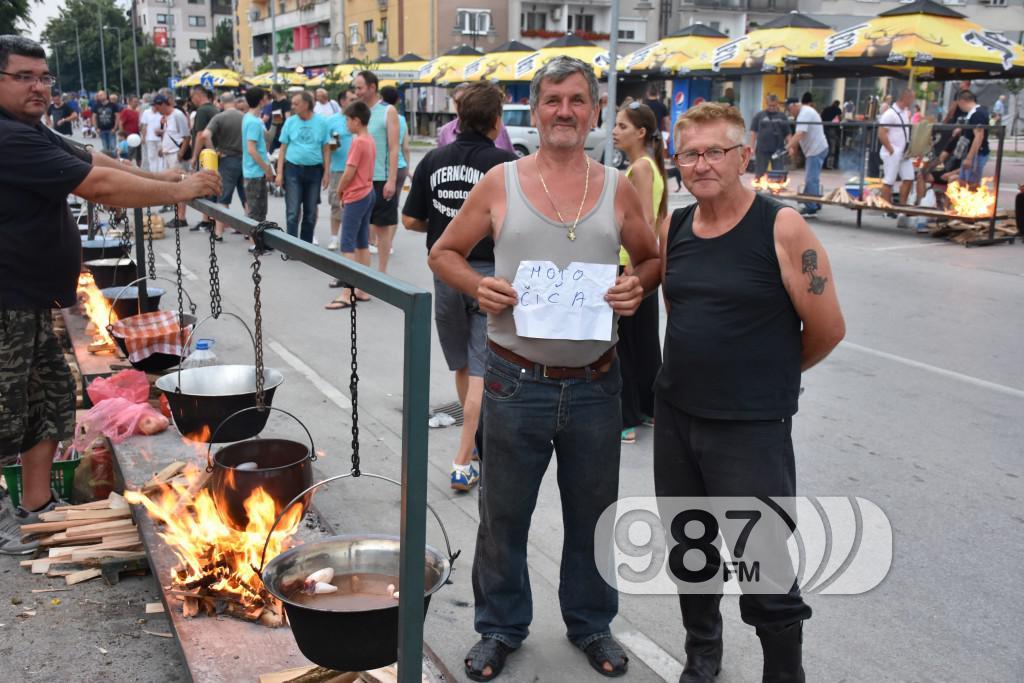 54 Apatinske ribarske večeri, fijaker kud, nemanja guzijan kotlic, dejan matić grupa gold (18)