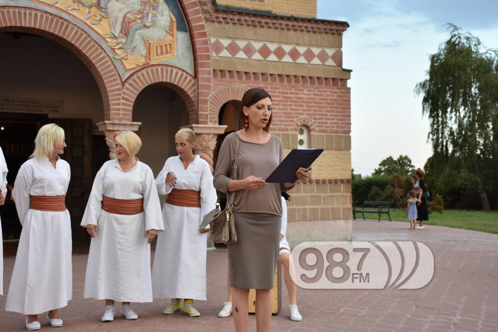 Hram sabor svetih apostola, svetoapostolski dani, pevacke grupe, etna, lazarice (4)