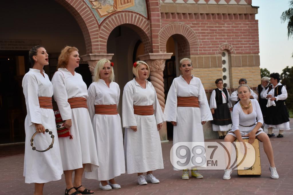 Hram sabor svetih apostola, svetoapostolski dani, pevacke grupe, etna, lazarice (7)