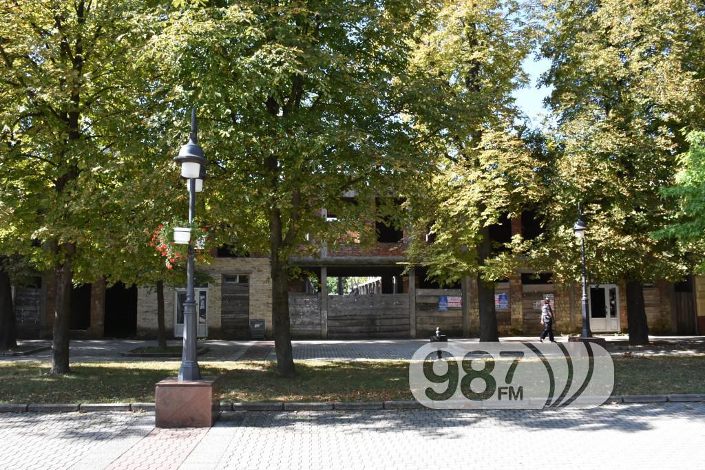 marko oreskovic, zgrada u glavnoj ulici, centar, prodaja (6)