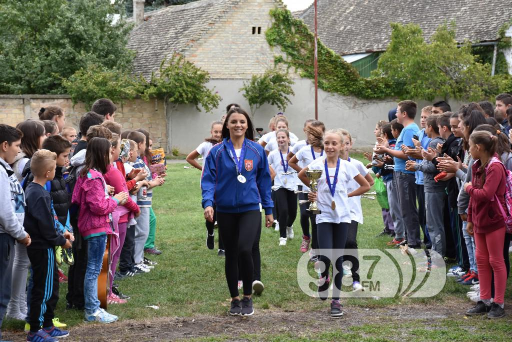 KUD Mazoret Sonta, docek , prijem, prvakinje evrope (8)