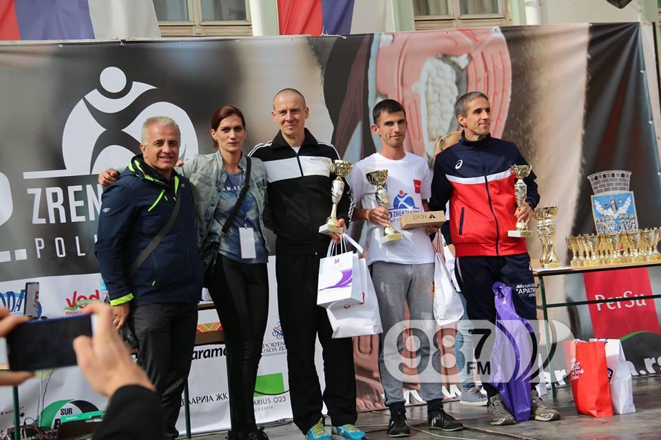 Zoran Radičanin, prvi s desna trćeplasirani na polumaratonskoj stazi