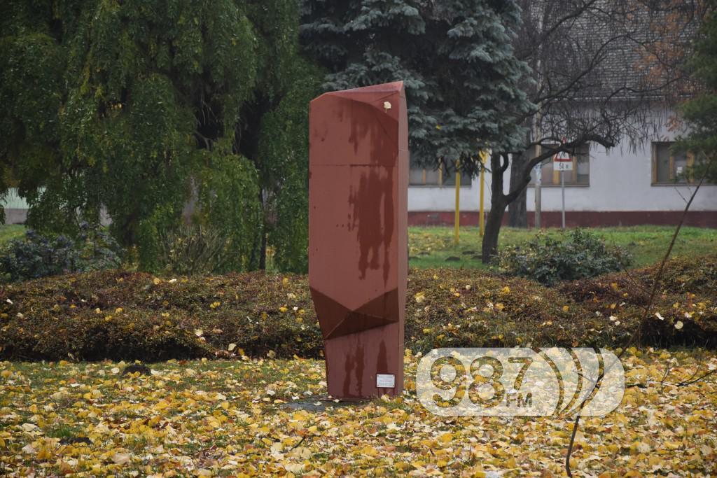 SKulpture po apatinu, umetnicka kolonija  (14)