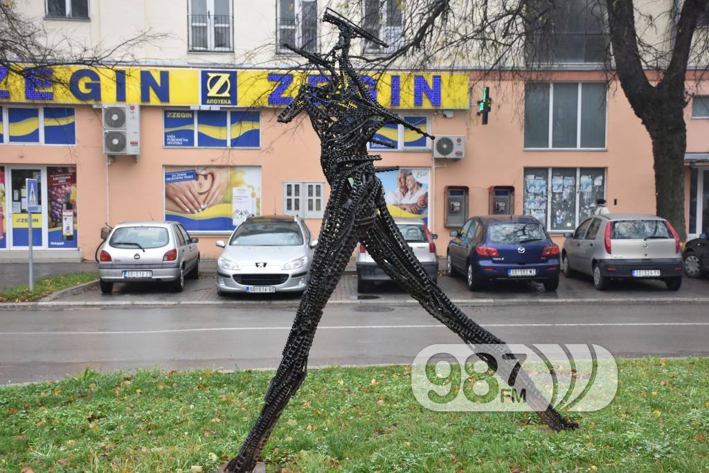 SKulpture po apatinu, umetnicka kolonija  (23)
