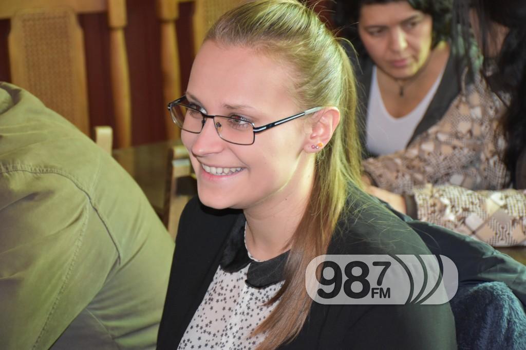 Dodela stipendija 2017, potpisivanje ugovora (6)