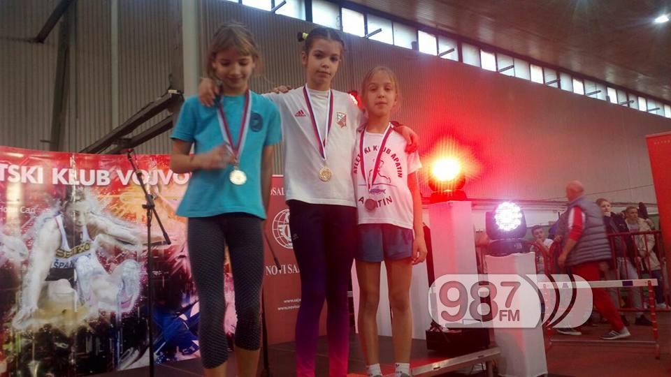 Dragana Popovic prva s desna bronzana
