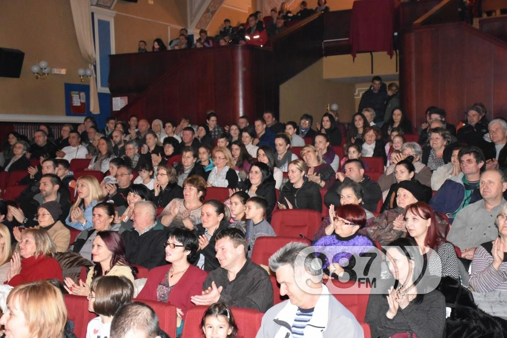 Godišnji koncert GKUD Dunav Apatin decembar 2017, Kud Dunav koncert (43)