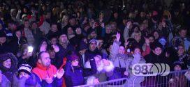 VIŠE OD 1000 LJUDI NA DOČEKU SRPSKE NOVE GODINE U APATINU (FOTO)